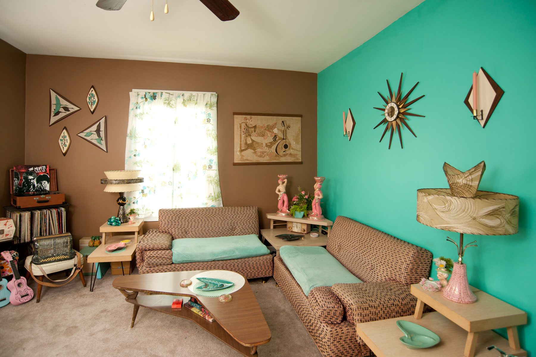 Mid century decor with mandy ness harkins photo blog for Turquoise color scheme living room